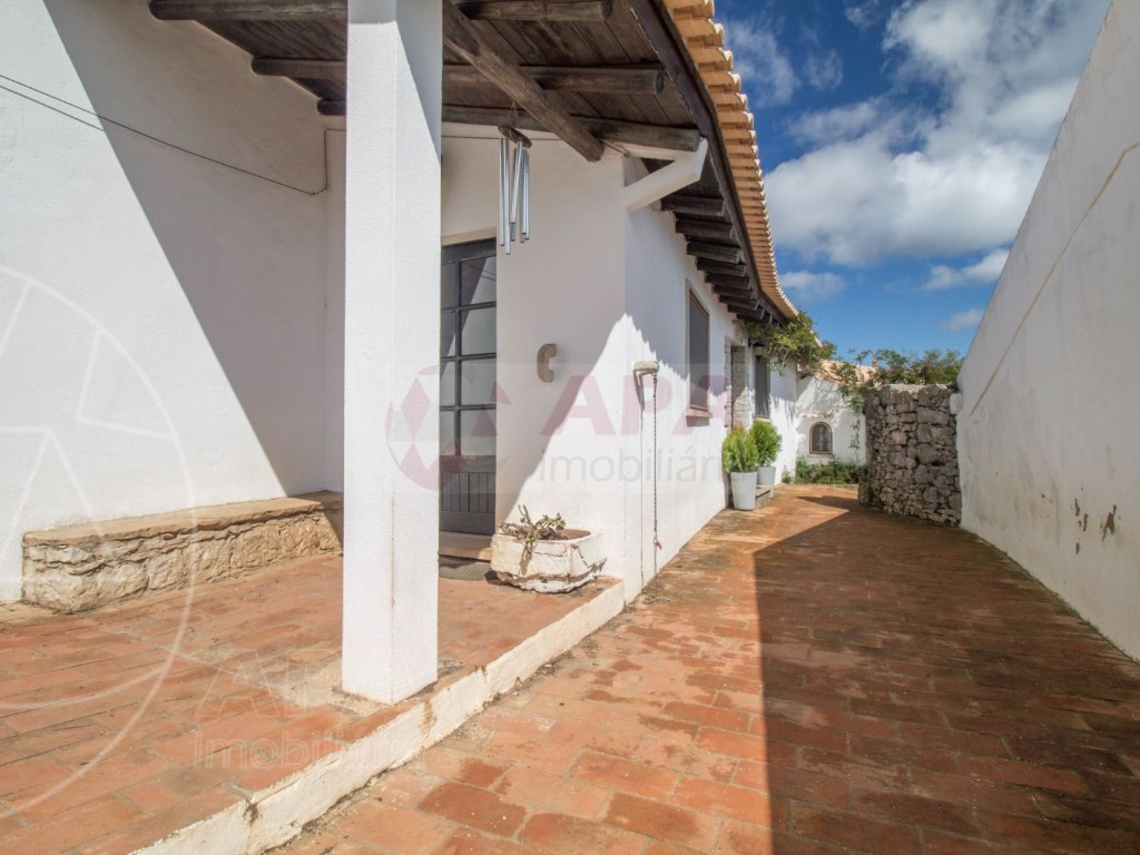 4 Bedroom house typical of the Algarve (32)