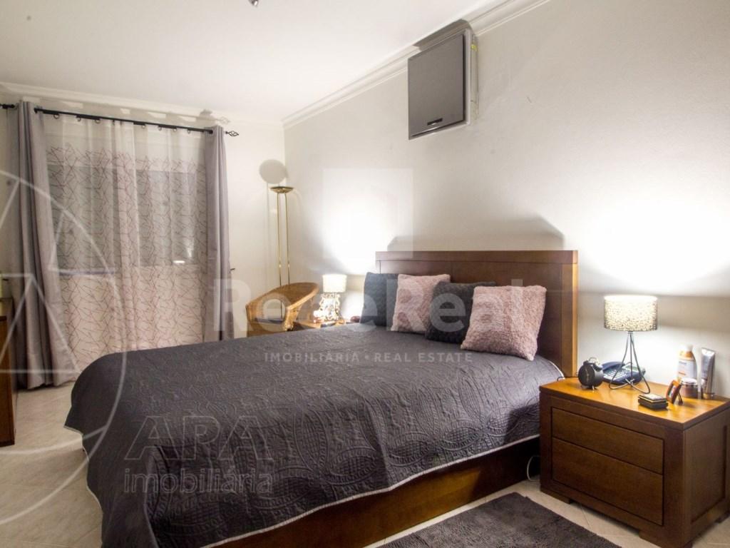 T4 Apartamento in Quelfes (14)