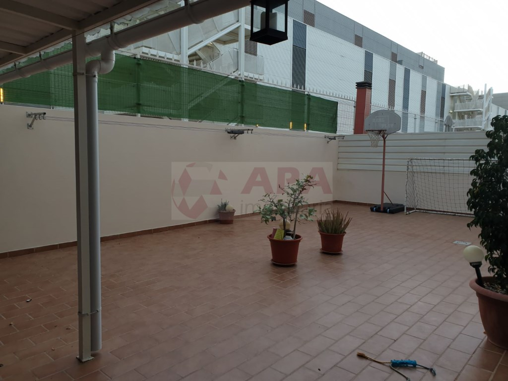 T4 Apartamento in Quelfes (19)