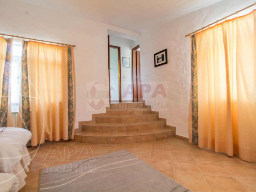 4 Bedroom villa in Santa Bárbara de Nexe  (35)
