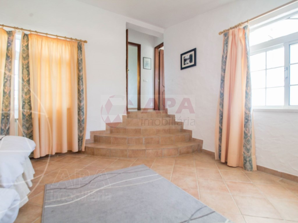 4 Bedroom villa in Santa Bárbara de Nexe  (36)