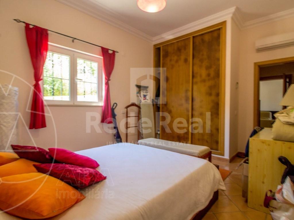 4 bedroom villa with pool in Santa Bárbara de Nexe (18)