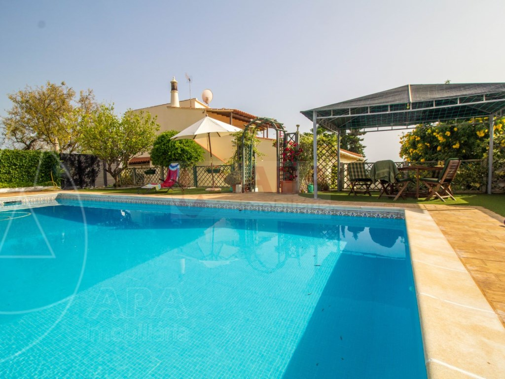 4 Bedroom villa with pool in Loulé (3)