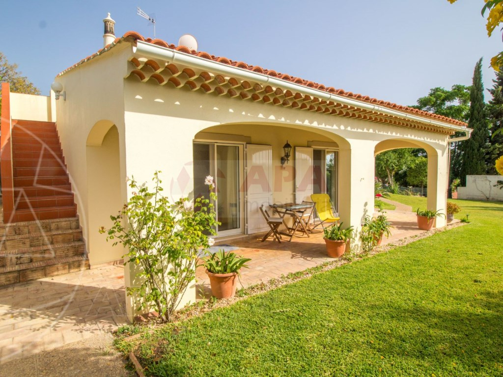 4 Bedroom villa with pool in Loulé (4)