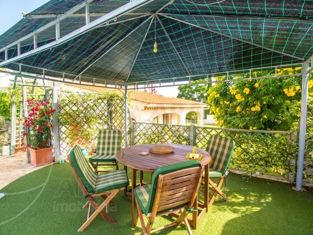4 Bedroom villa with pool in Loulé (11)