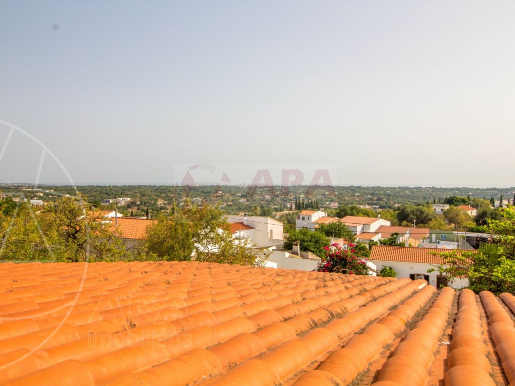 4 Bedroom villa with pool in Loulé (15)