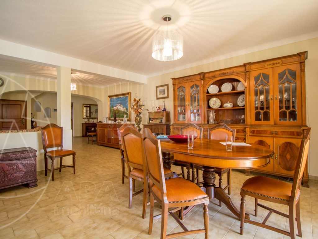 4 Bedroom villa with pool in Loulé (16)