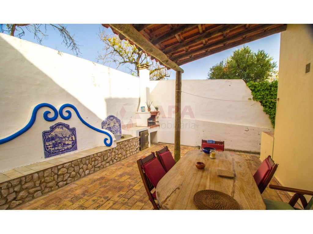 4 Bedroom villa with pool in Loulé (2)