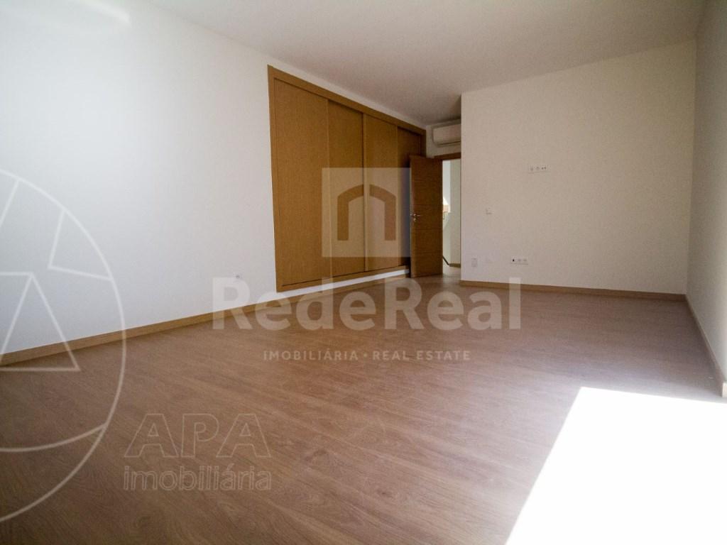 4 Pièces + 1 Chambre intérieur Maison in Faro (Sé e São Pedro) (22)