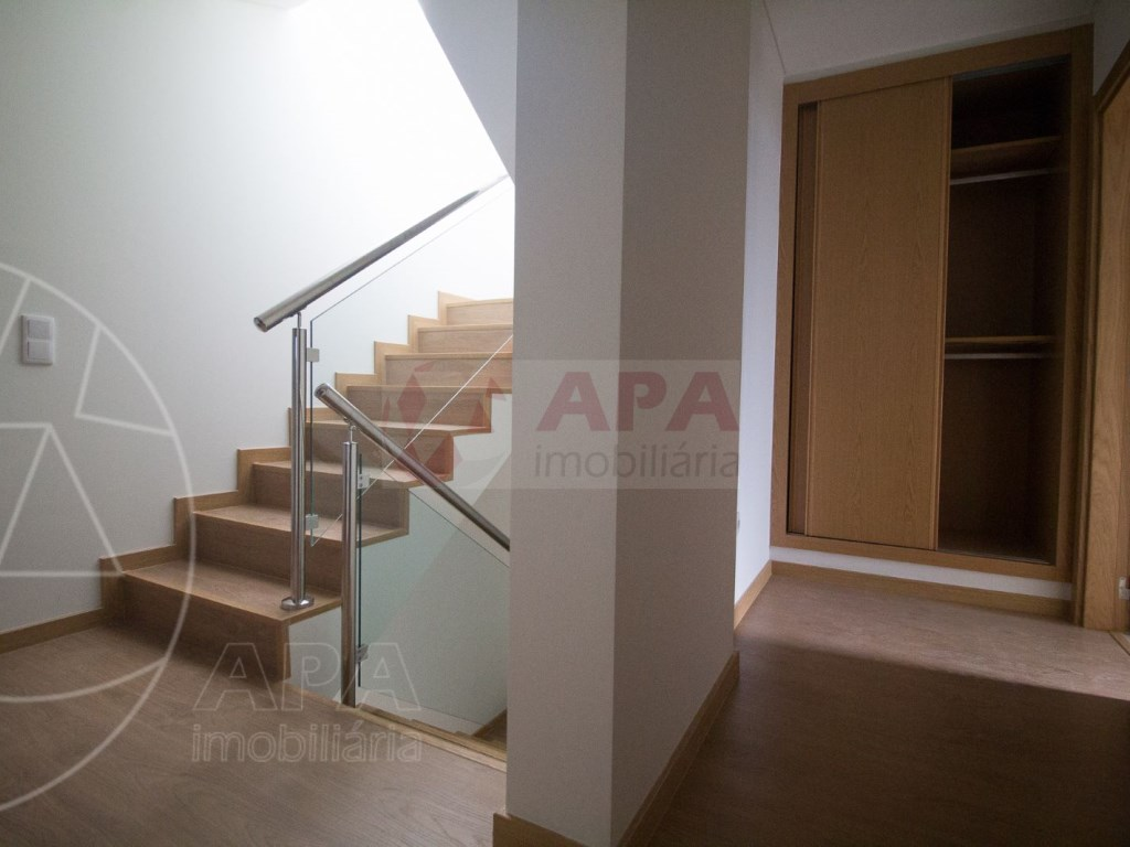 4 Pièces + 1 Chambre intérieur Maison in Faro (Sé e São Pedro) (30)