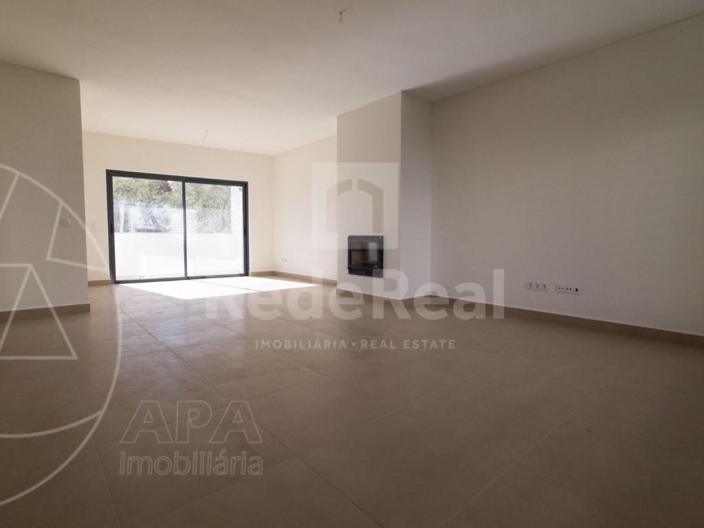4 Pièces + 1 Chambre intérieur Maison in São Pedro, Faro (Sé e São Pedro) (2)