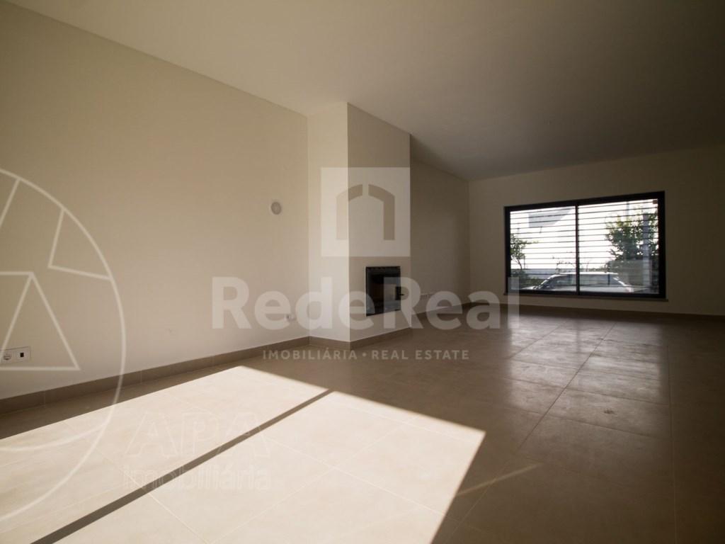 4 Pièces + 1 Chambre intérieur Maison in São Pedro, Faro (Sé e São Pedro) (3)