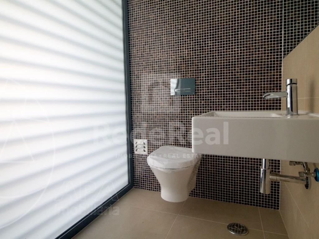 4 Pièces + 1 Chambre intérieur Maison in São Pedro, Faro (Sé e São Pedro) (6)