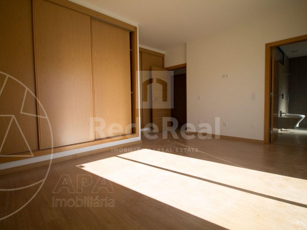 4 Pièces + 1 Chambre intérieur Maison in São Pedro, Faro (Sé e São Pedro) (11)