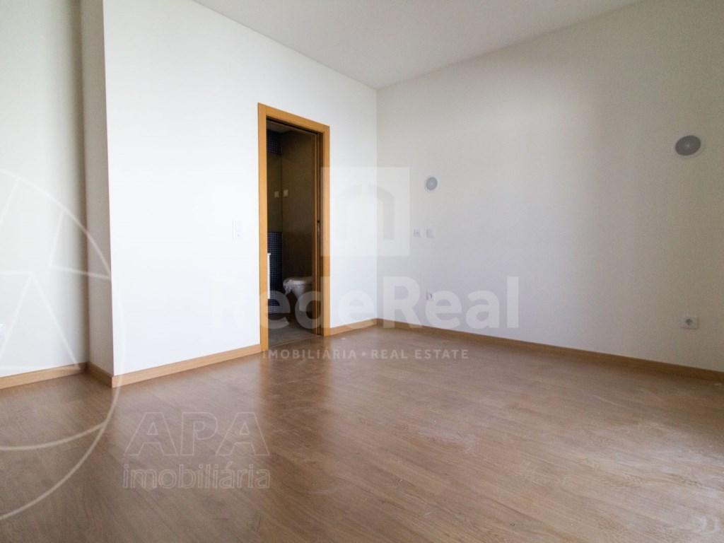 4 Pièces + 1 Chambre intérieur Maison in São Pedro, Faro (Sé e São Pedro) (12)