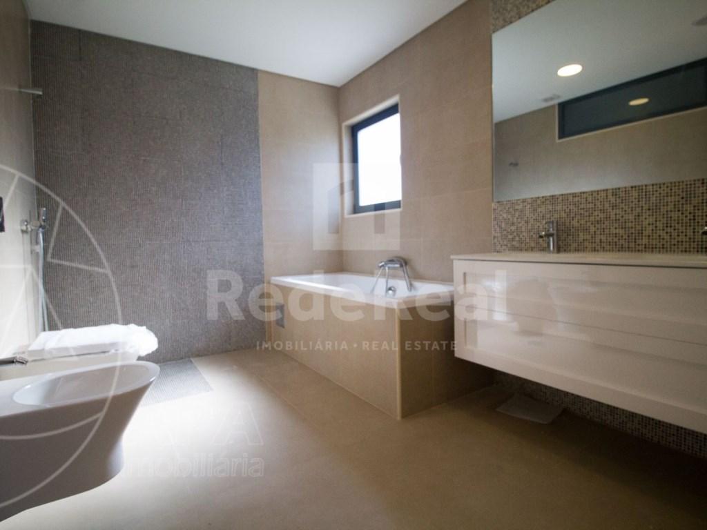 4 Pièces + 1 Chambre intérieur Maison in São Pedro, Faro (Sé e São Pedro) (15)