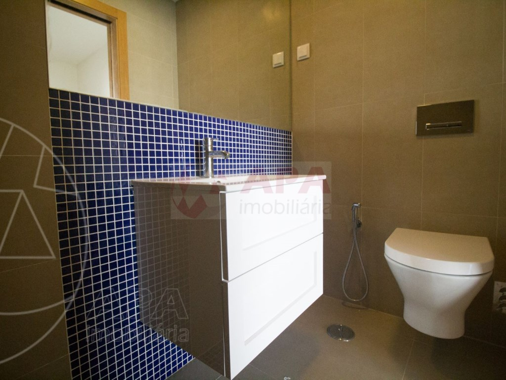 4 Pièces + 1 Chambre intérieur Maison in São Pedro, Faro (Sé e São Pedro) (19)