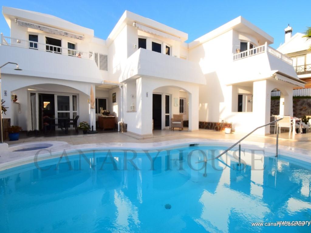 Casa en venta, complejo El Olimpio, zona exclusiva, a Puerto