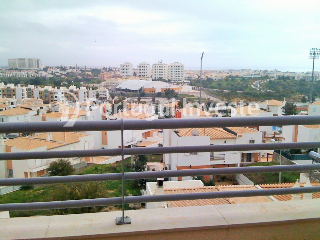 For sale 2 bedrooms apartment, top floor, with sea view, parking and storage - Portugal Investe