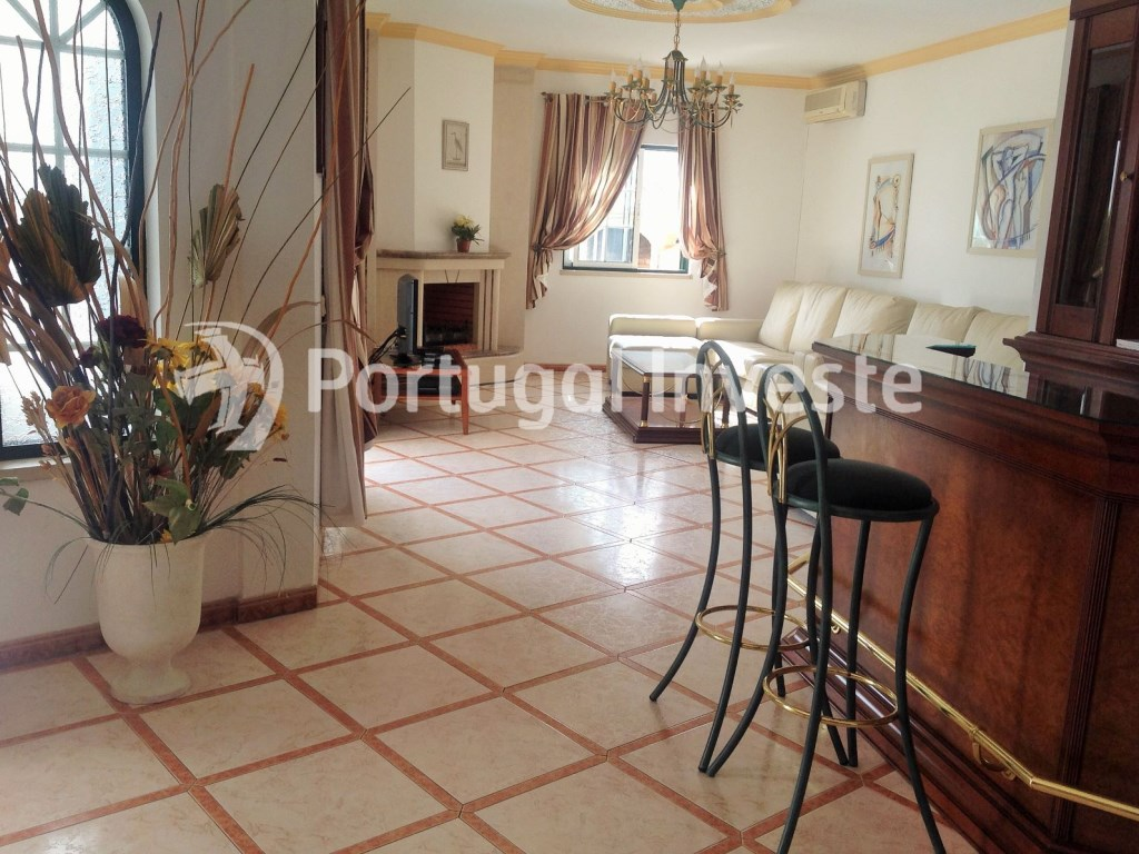 V4 villa with huge areas in 528 sqm plot, Albufeira. - Portugal Investe
