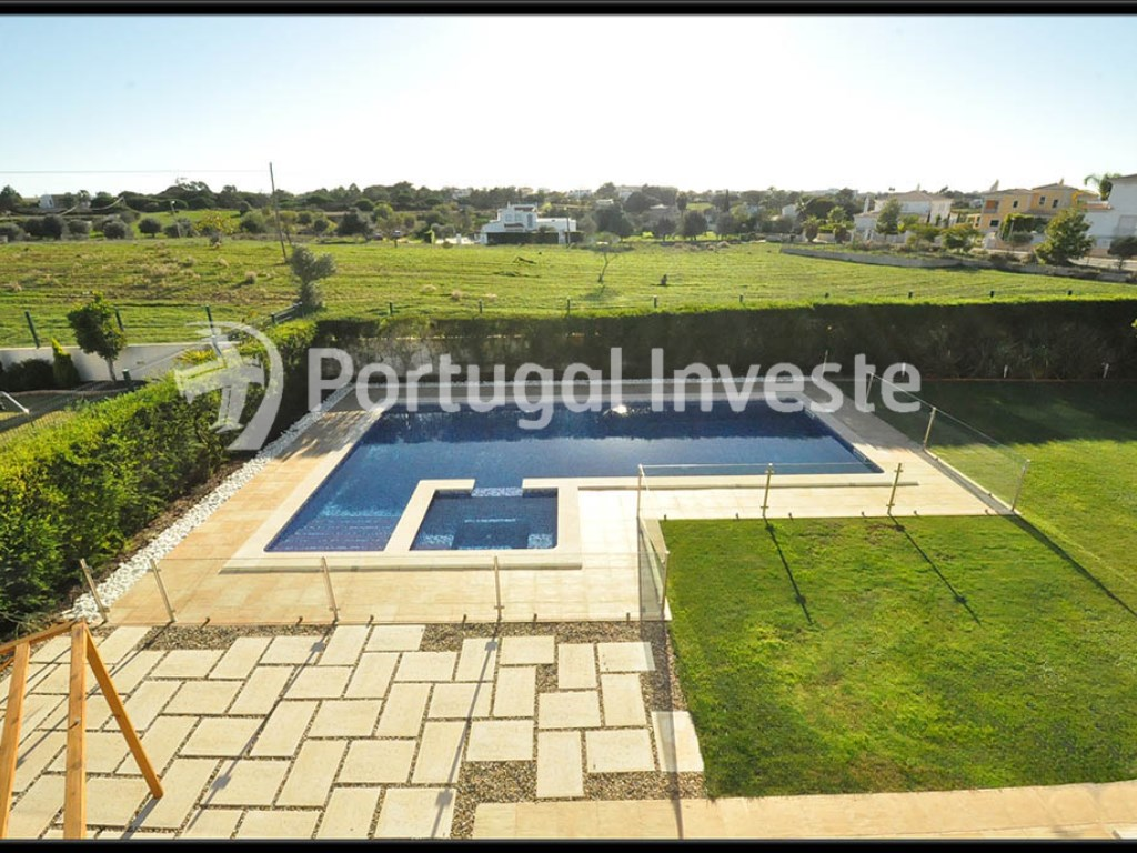 For Sale Vila, Albufeira. Portugal Investe (Garden, pool)