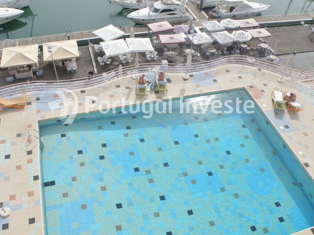 Magnificent t1 penthouse in Algarve, in the first line of picturesque Albufeira marina (Pool) - Portugal Investe