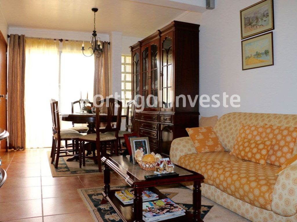 Two bedrooms apartment, well preserved, 10 minutes away from Lisbon, Almada - Portugal Investe