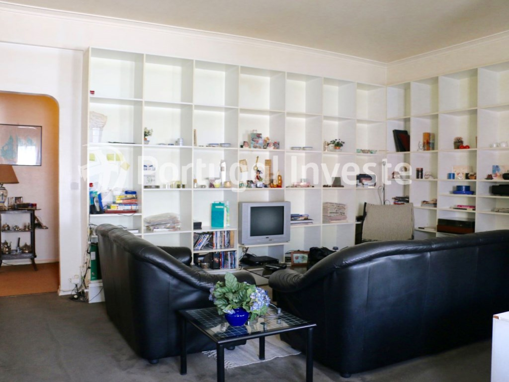 For sale 3 bedrooms apartment, in the center of Lisbon, Campo de Ourique - Portugal Investe