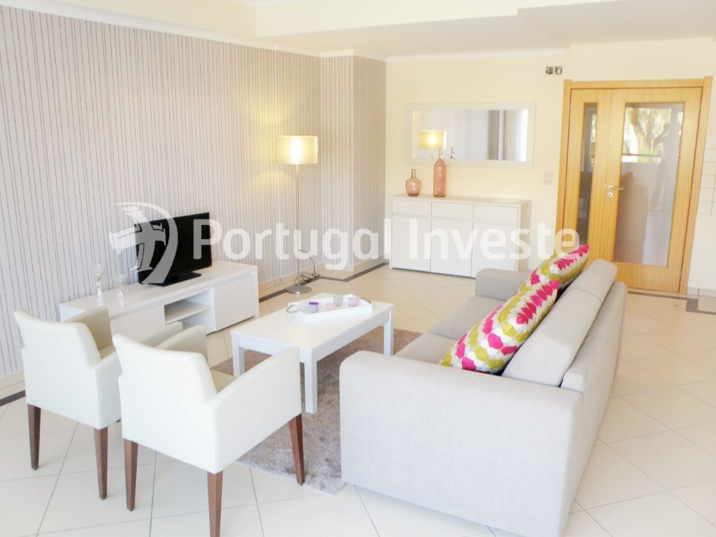 For sale 2 bedrooms apartment, garage and pool, Albufeira, Algarve - Portugal Investe