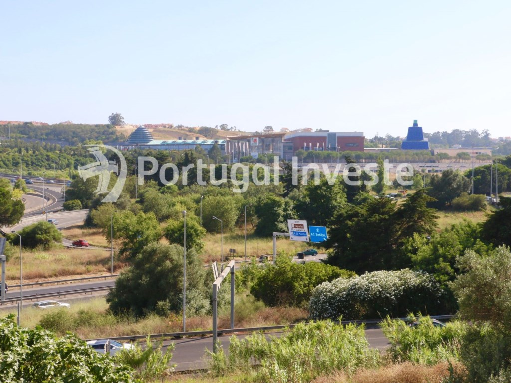 For sale two bedrooms apartment, with storage and parking, 7 minutes from Lisbon - Portugal Investe