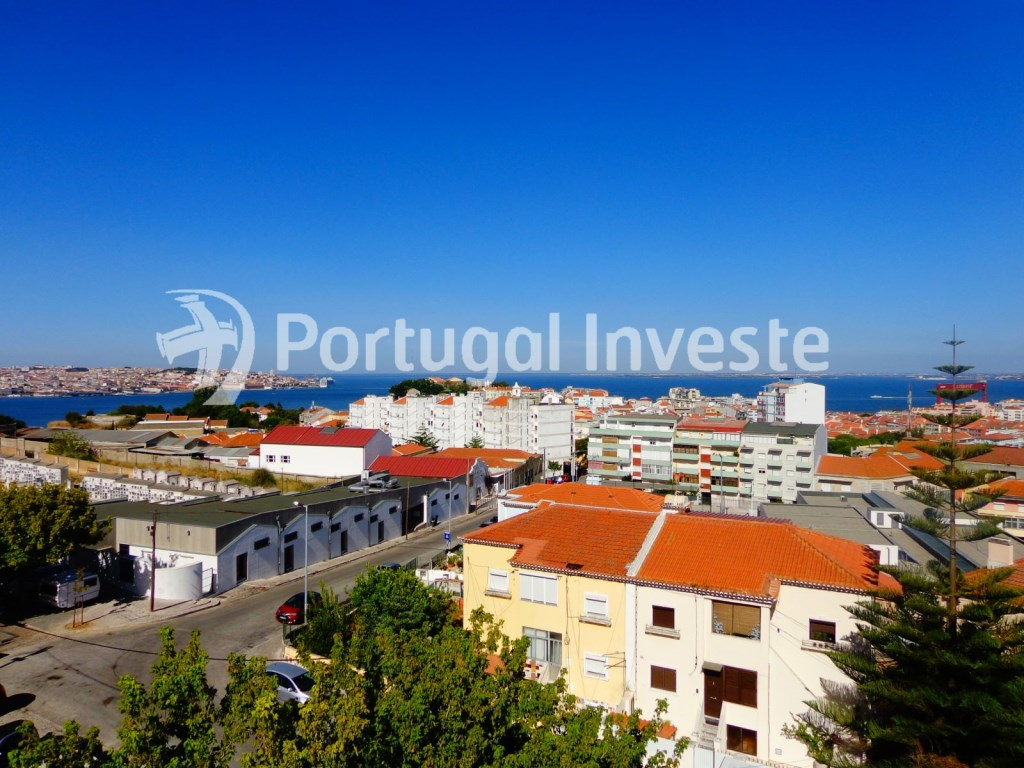 For sale 1+1 bedroom apartment, with river view, 10 minutes from Lisbon - Portugal Investe
