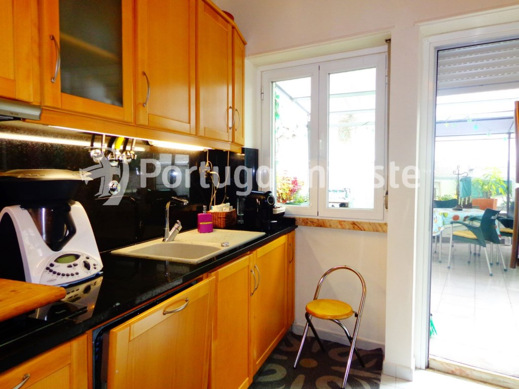 Kitchen, For sale 2 bedrooms apartment, with terrace, in Ajuda, Lisbon - Portugal Investe