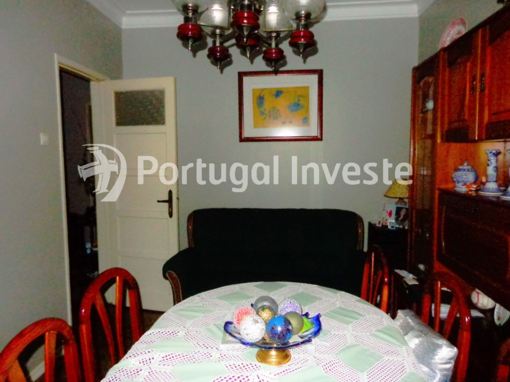 Living room, For sale 3 bedrooms apartment, just 15 minutes away from Lisbon - Portugal Investe
