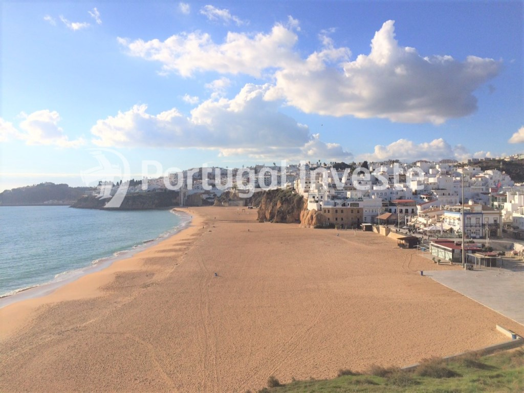 For sale 1+1 bedroom apartment, close to the beach, Albufeira downtown, Algarve - Portugal Investe