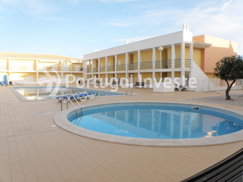 For sale 2 bedrooms apartment, condo with pool, 5 minutes from the beach, Albufeira, Algarve - Portugal Investe