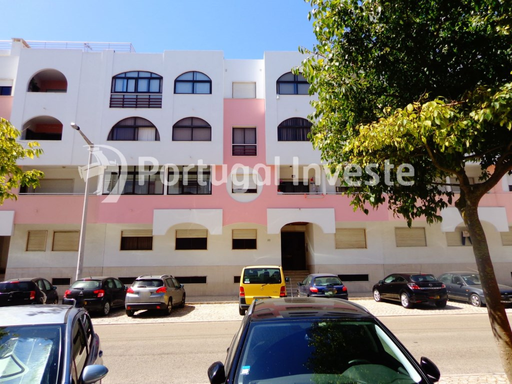 2 bedrooms apartment, 5 minutes from the beach, excellent investment, Costa da Caparica, Lisbon - Portugal Investe