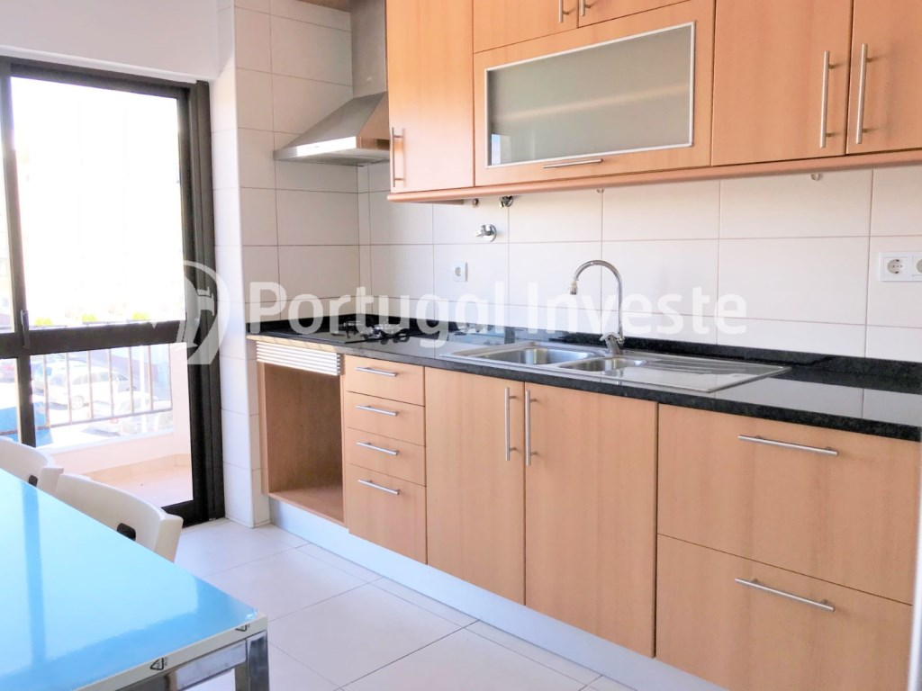 For sale 2 bedrooms apartment, 20 minutes away from Lisbon - Portugal Investe