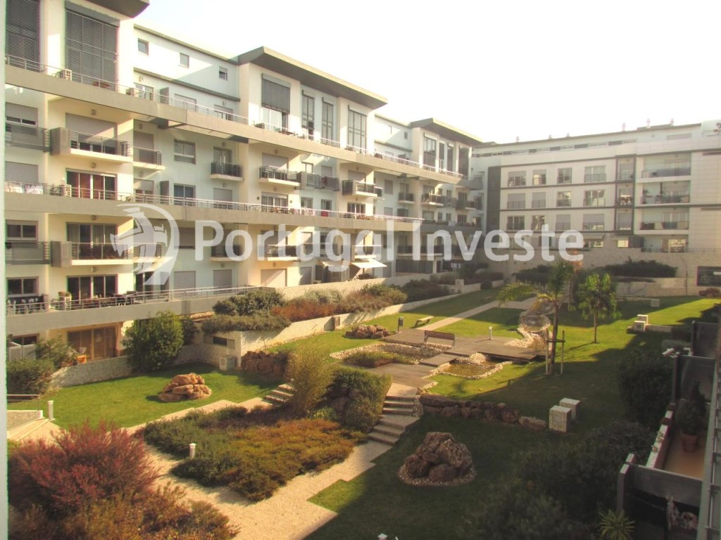 Condo, For sale 4 bedrooms apartment, parking and storage, in noble condo, 10 minutes away from Lisbon - Portugal Investe