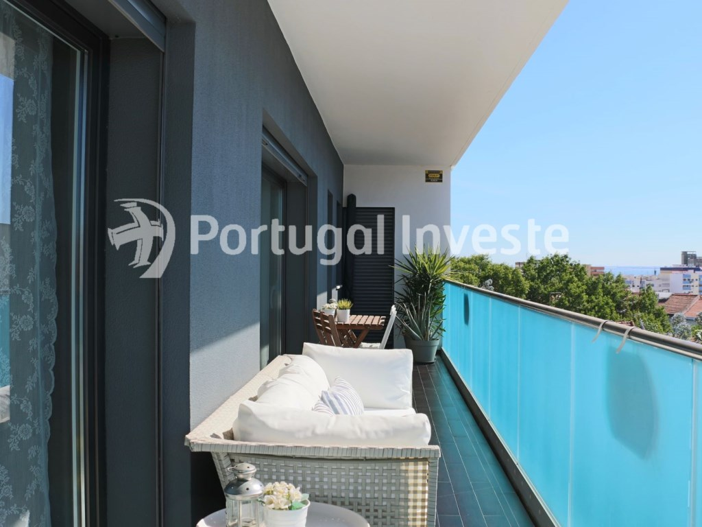 For sale 2 bedrooms apartment, garage box, Liberdade Atrium enterprise, 10 minutes away from Lisbon - Portugal Investe