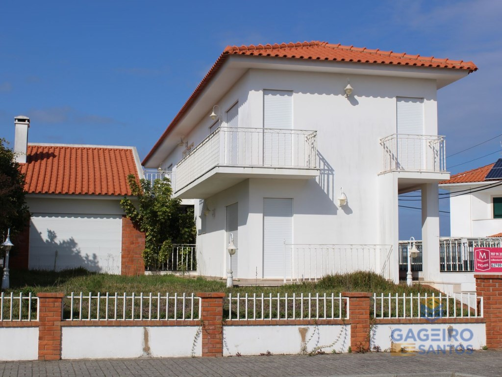 Moradia T3 Nazaréhttp://images.egorealestate.com/Z1280x960/W3745/S5/C3745/P5144863/Tphoto/ID1f814e00-0000-0500-0000-0000031daa7a