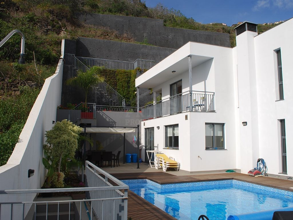 Prime Properties Madeira Real Estate House for Sale Calheta (21)