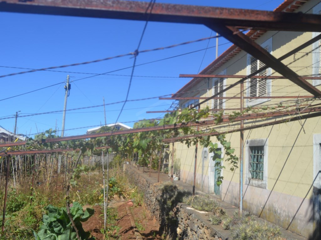 Quinta for Sale in Calheta (1)