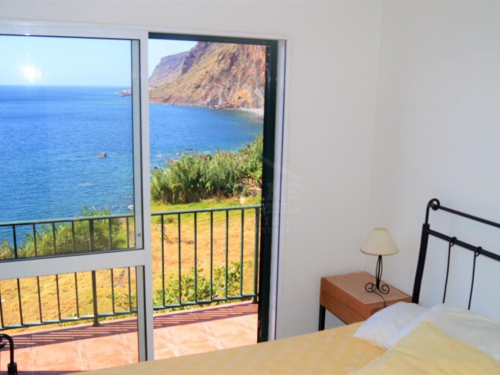 House by the beach Jardim do Mar Calhet for Sale (18)