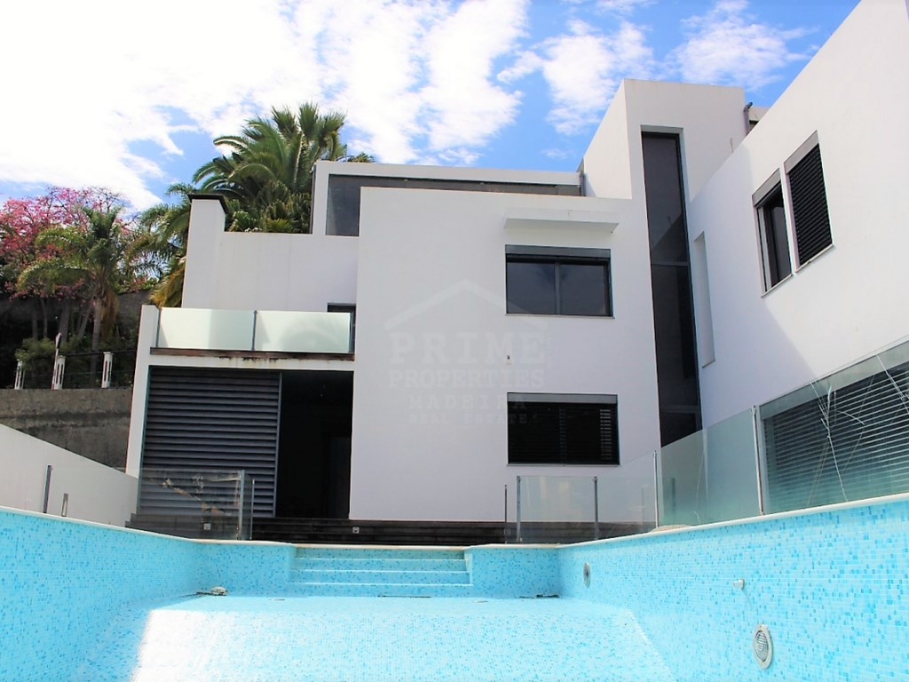 Modern House for Sale Prime Properties Madeira Real Estate (9)