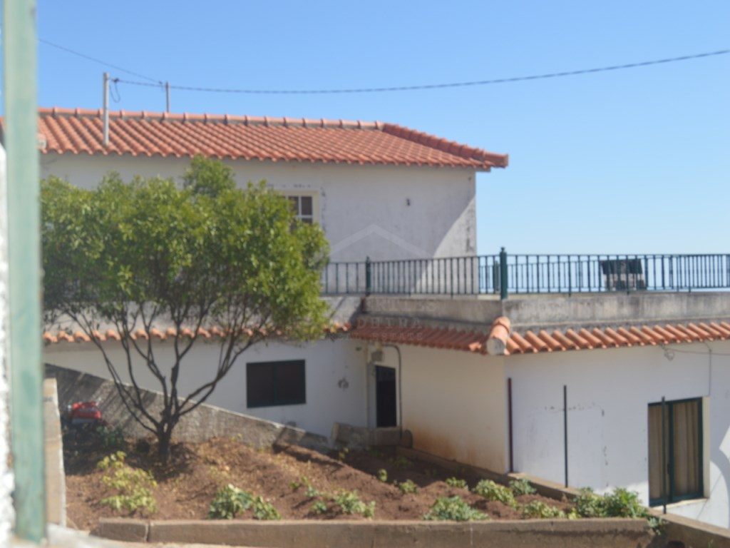 House for Sale Câmara de Lobos Prime Properties Madeira Real Estate (16)
