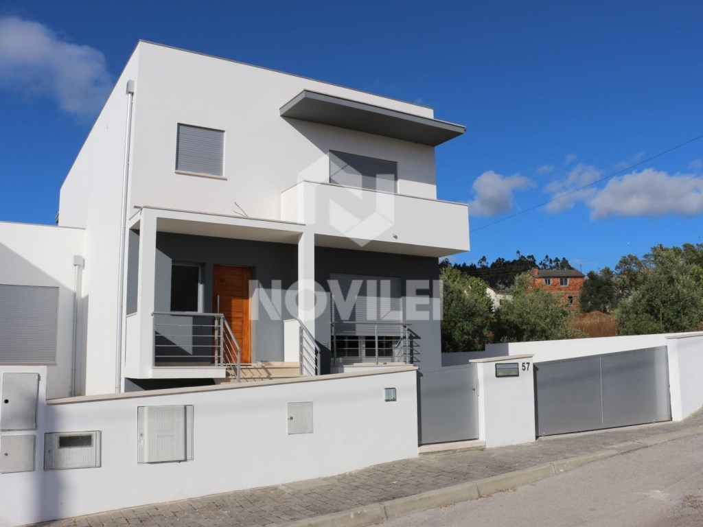 House 4 bedrooms new 5 minute, Leiria