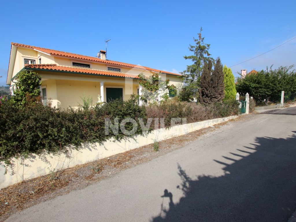 Detached house c/1712m2 de Ground