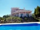 New Villa in Quarteira with garden, pool and garage, near the beach of Vale%1/19