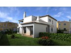Detached house in a residential area near the beach quality for sale in Faro%3/6
