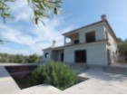 Villa with 4 bedrooms, renovated and walking distance to the beach | 4 Bedrooms | 3WC